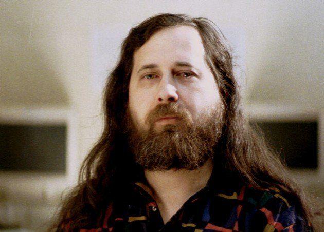Stallman puntualiza sus comentarios sobre la muerte de Jobs