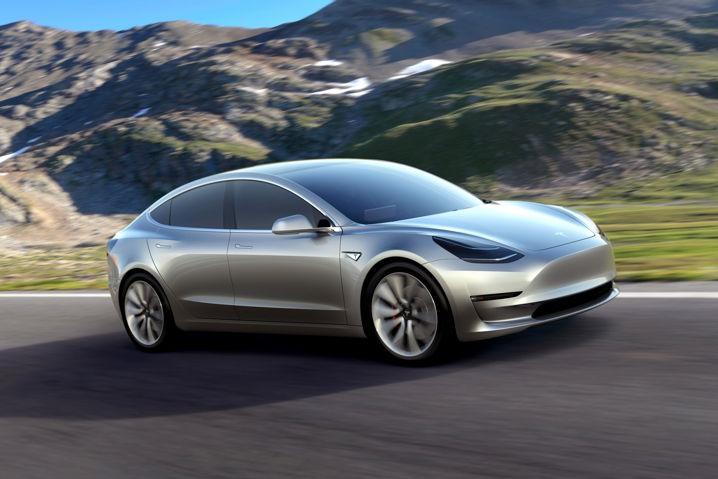 Arabia Saudí respalda a Elon Musk en sus planes de recomprar Tesla